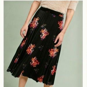 ANTHROPOLOGIE Maeve Pleated Floral Velvet Skirt